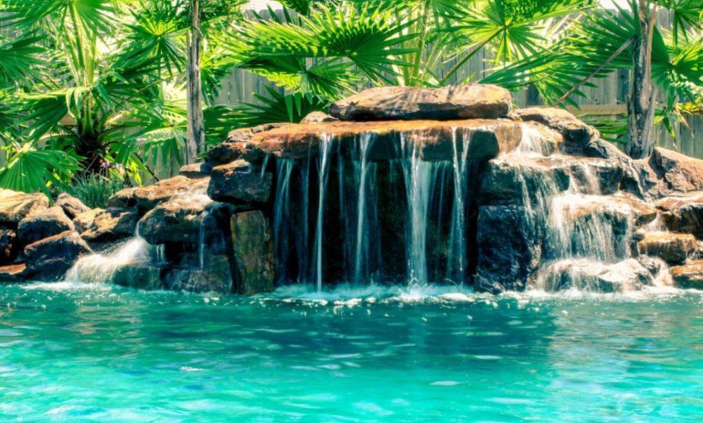 Grotte de piscine personnalisée