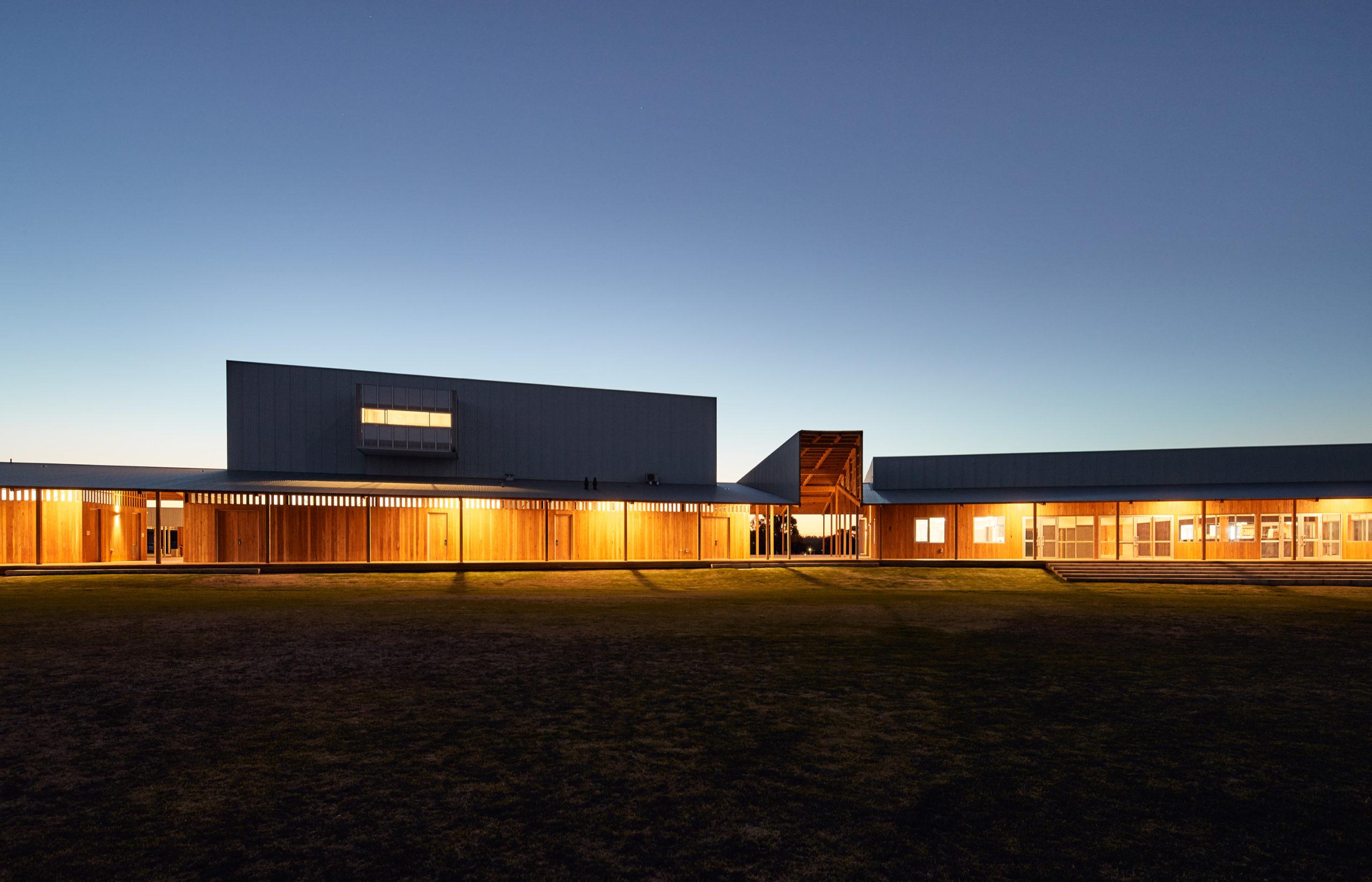 Centre de loisirs et de culture Pingelly par Iredale Pedersen Hook Architects avec ATC Studio, Pingelly, Australie
