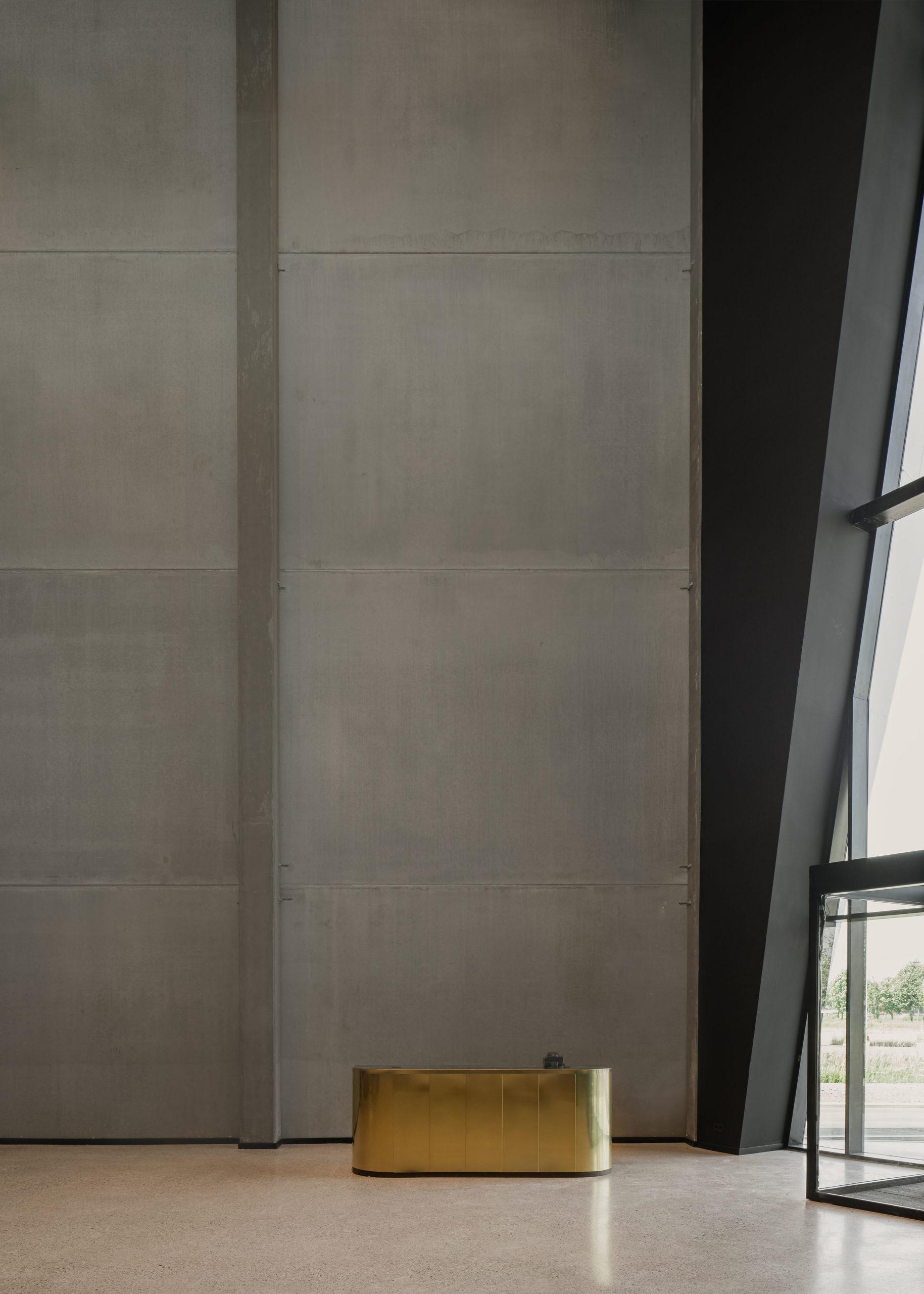 Le métal est l'épine dorsale de la construction moderne.  Le cuivre, le laiton, l'acier et l'aluminium sont utilisés chaque jour pour créer des bâtiments magnifiques et uniques.
