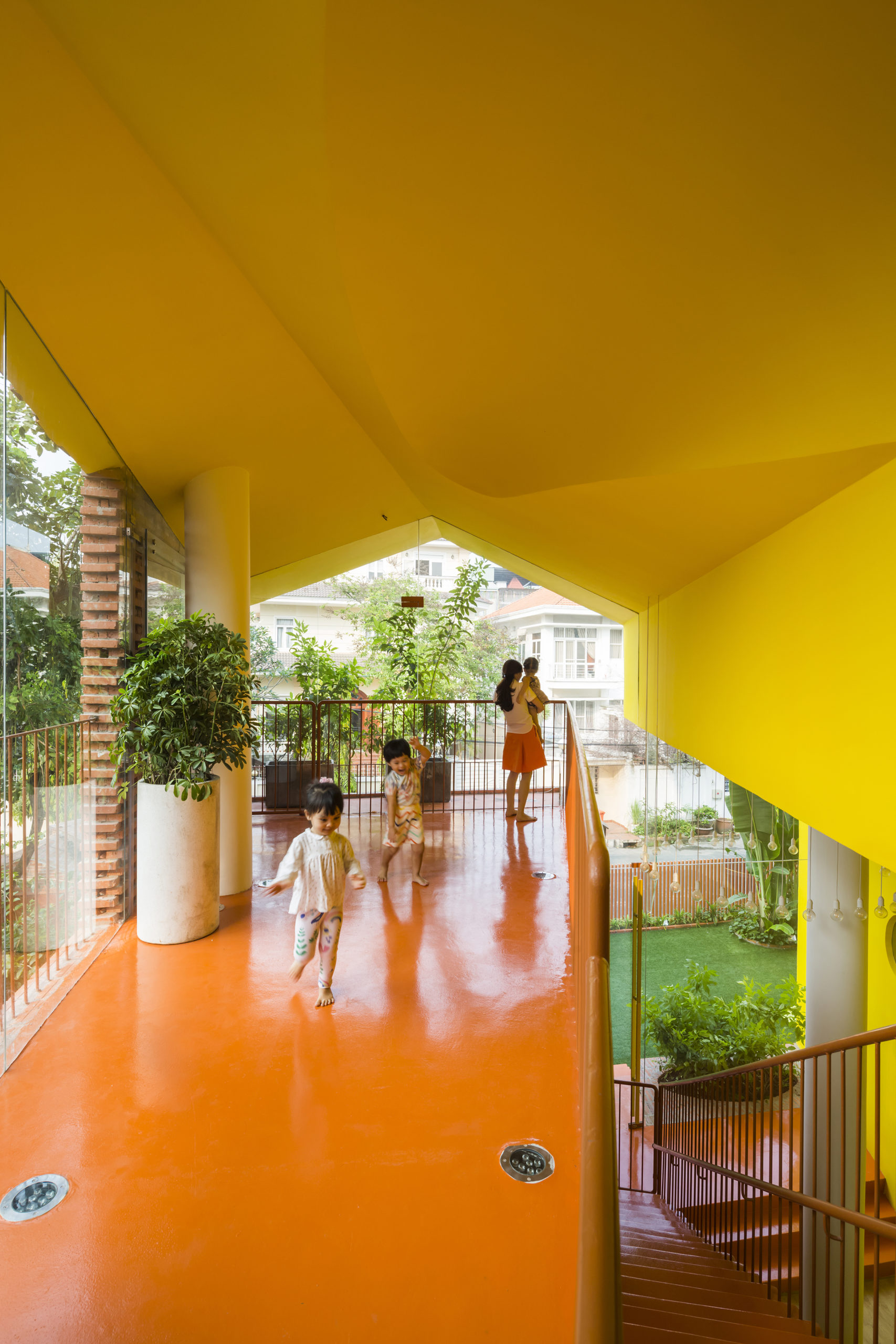 Urban Playground : 8 crèches et jardins d'enfants savamment implantés dans des espaces urbains